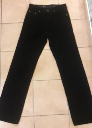 Джинсы брюки микро-вельвет.размер 31/34.в идеальном состоянии.