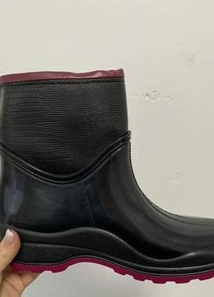 Жіночі резинові чобітки в середині на флісі