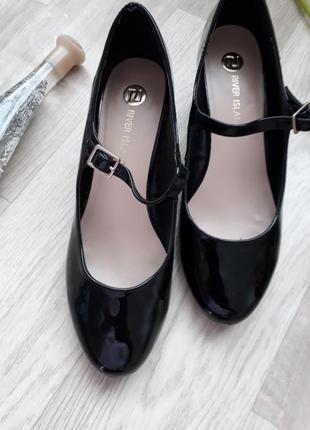 Фирменные туфельки р 39
