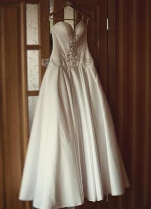 Свадебное платье от дизайнера