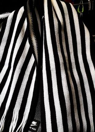Теплый мужской шарф с кисточками