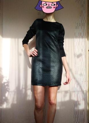 Короткое черное стильное платье