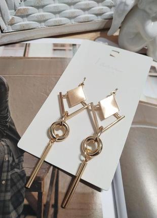 Актуальные длинные серьги-подвески i am, золотистые сережки ромбы asos5 фото