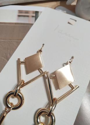 Актуальные длинные серьги-подвески i am, золотистые сережки ромбы asos3 фото