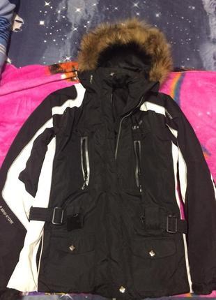 Лыжная курточка, тёплая курточка, курточка на зиму