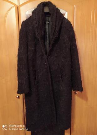 Стильное качественное пальто немецкого бренда tuzzi