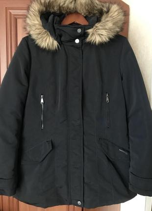 Тёплая зимняя пуховая курточка от geox. на м-л размер, в отличном состоянии