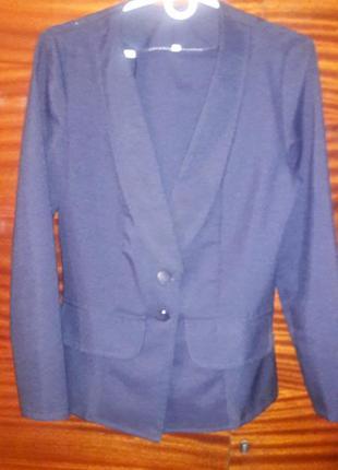 Брючный женский костюм темно-синего цвета, р. 46 (l)