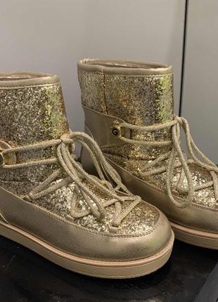 Утеплённые ботинки g by guess