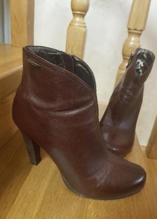Ботинки деми кожаные р.37.5