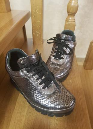 Ботинки кожаные р.37.5