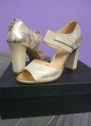 Итальянские новые туфли
