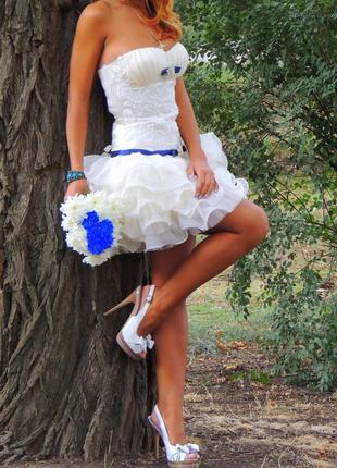 Красивое короткое свадебное платье2 фото