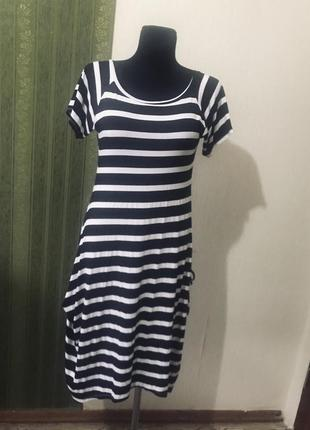 Интересное платье в полоску италия