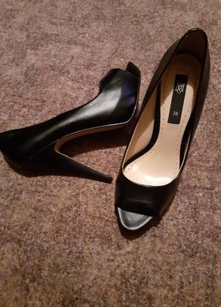 Стильные туфли mango
