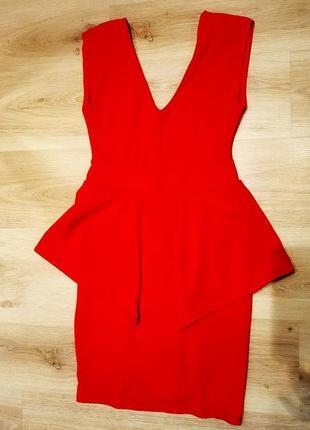 Платье коктейльное ярко красное