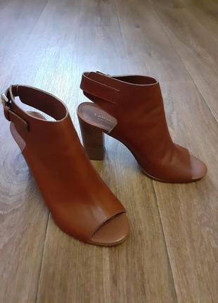 Кожаные шикарные туфли carvela & kurt geiger.