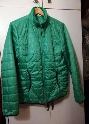 Яскрава куртка, стан нової 44,46