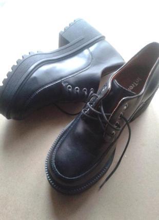 Туфли на тракторной подошве – 38 размер