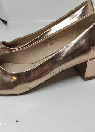 Золотые туфли 37 размер