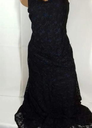 Шикарне плаття з вишивкою від laura ashley