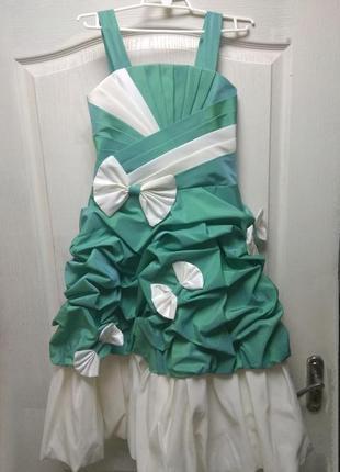 Платье на торжество банты