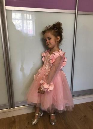 Шикарное нежное платье для девочки 3-4 года