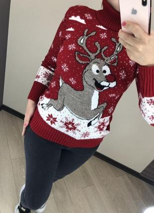 Шерстяной новогодний женский свитер с оленями