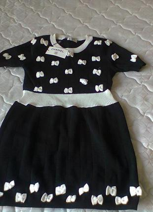 Платье черно белое с бантами chanel