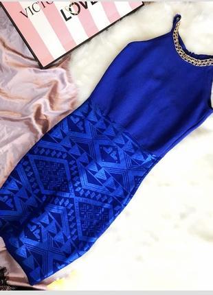 Бандажное платье с утяжкой