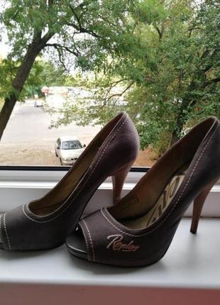 Туфли / кожаные / стильные / высокий каблук / замш