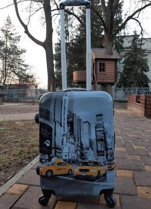 Качественный чемодан из поликарбоната. ручная кладь.