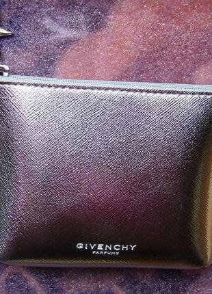 Клатч givenchy (батч на последнем фото)