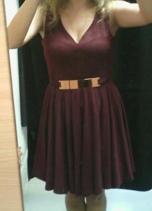Нарядное платье на невысокую девочку
