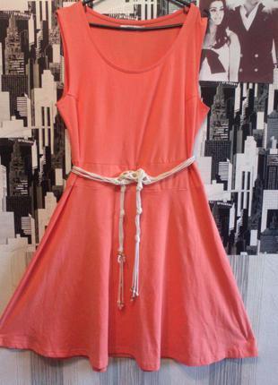 Платье трикотажное коралового цвета. бренд бон прикс. размер евро 40-42.