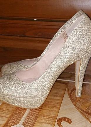 Эффектные туфли next. размер 37