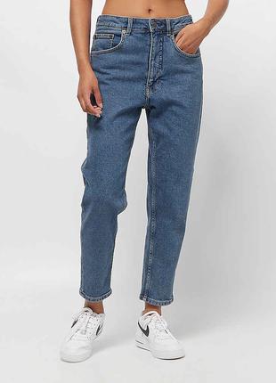 Мом джинсы cheap monday из органического и переработанного хлопка