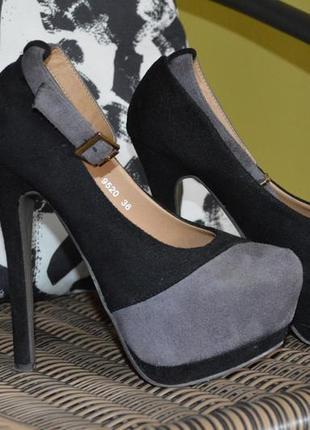 Туфлі з екозамші!