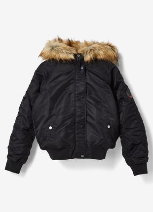 Тёплая куртка бомбер с капюшоном jennyfer размер s m l