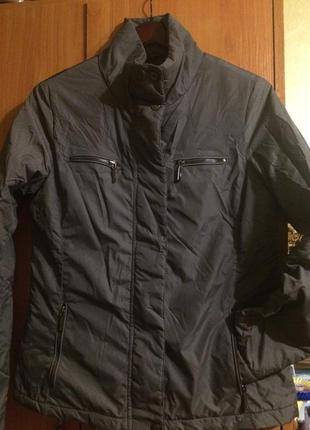 Продам отличную куртку,демисезонная,оригинал geox.