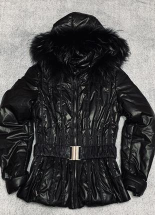 Деми курточка с капюшоном с натуральным мехом