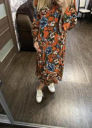Очень красивое длинное платье в цветочный принт