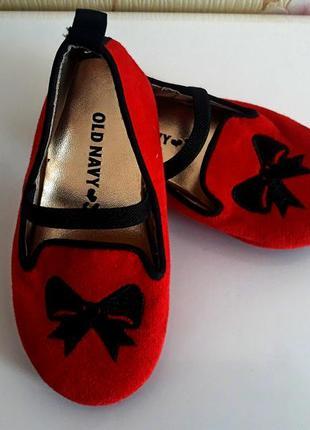 Красивенные туфельки для малышки old navy состояние новых размер uk 7 ( стелечка 14 см)