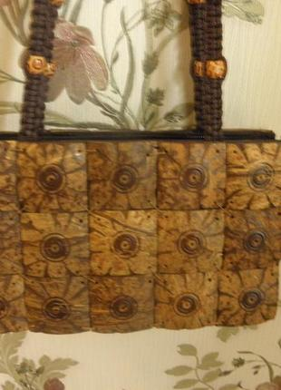 Сумка ручной работы ,отделанная деревянными квадратами