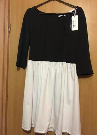 Красивое итальянское платье фирмы made in italy