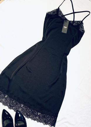 Платье чёрное ночнушка тренд гипюр атлас