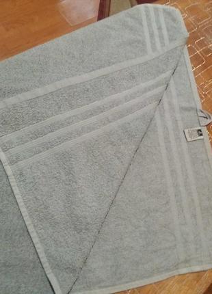 Махровое полотенце банное 70 на 140см