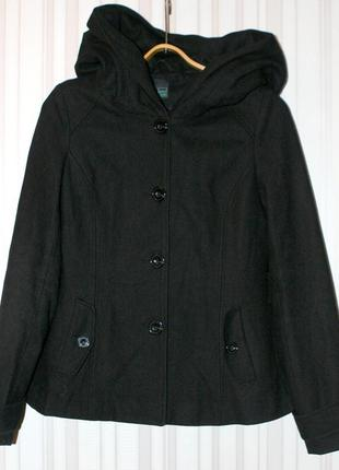 Стильное полушерстяное пальто с большим капюшоном1