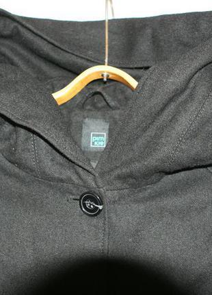 Стильное полушерстяное пальто с большим капюшоном2