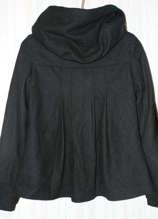 Стильное полушерстяное пальто с большим капюшоном3